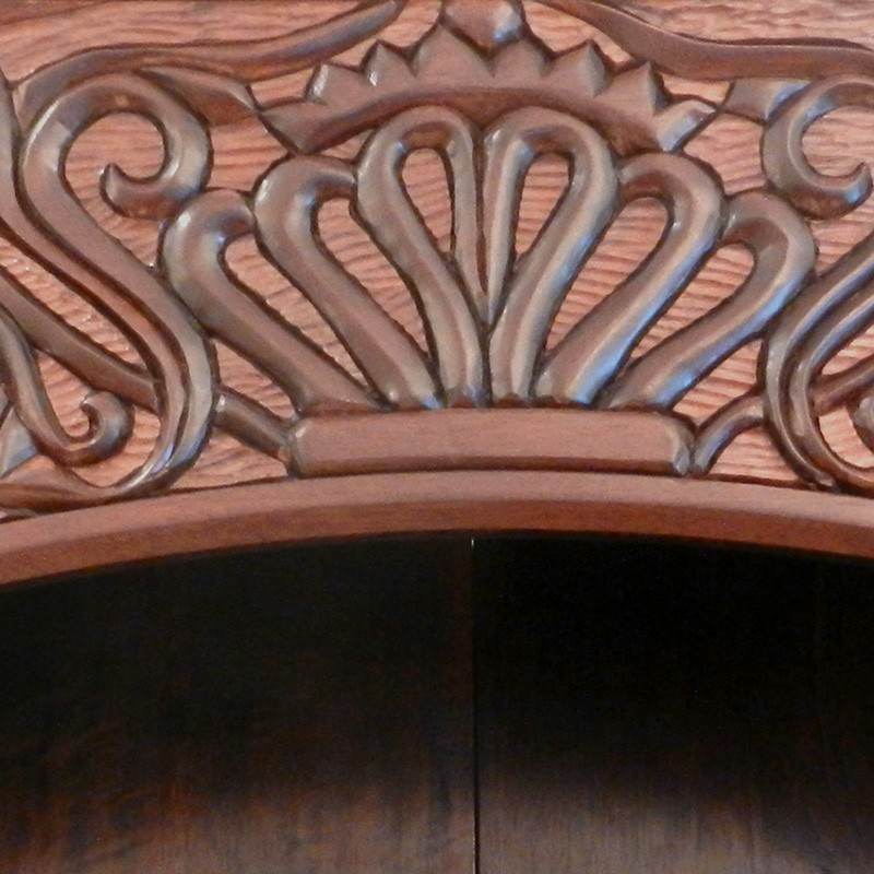 crown carving of torah ark for dc chabad
