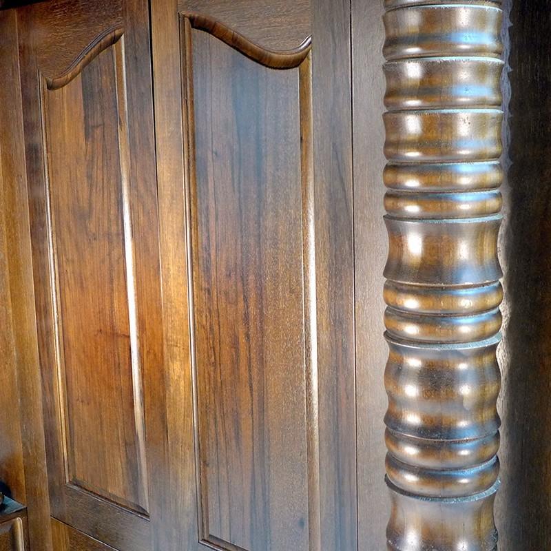 traditional columns for aron kodesh