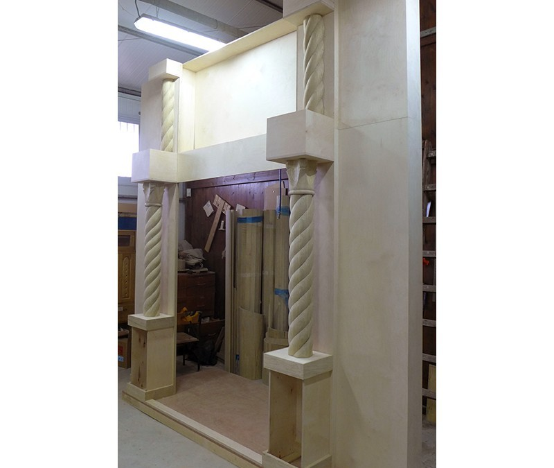 Carved Columns and Crowns for Aron Kodesh