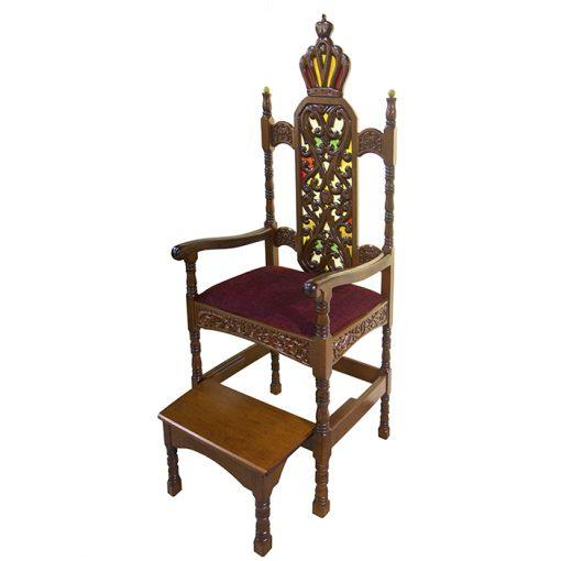 Kise Eliyahu built in a traditional style with upholstered seat, contemporary carving, stained glass