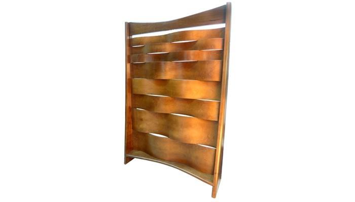 Mechitza with bent wood design side