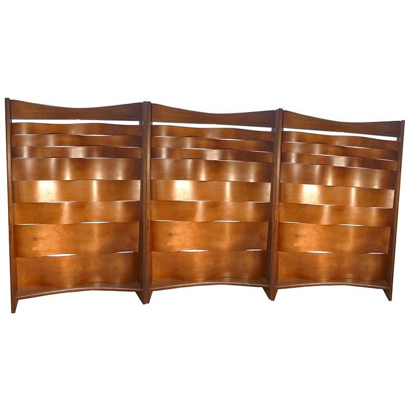 wave mechitza panels with bent wood