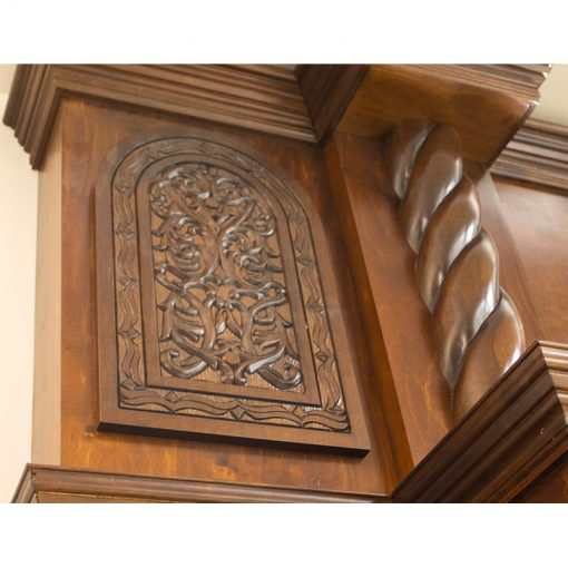 Details of carving and twisted columns on second tier of aron kodesh