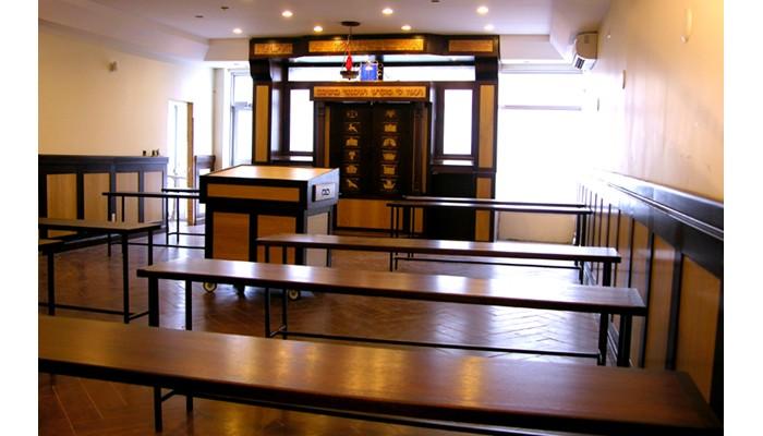 Toronto Yeshiva MIshkan Hatorah Synagogue Furniture