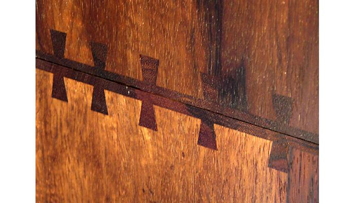 Golden Carved Ark dovetails