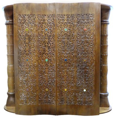 Aron Kodesh with Compound Curve