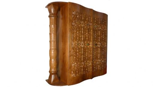 תיבה לספר תורה | היכל ארון קודש הוא זכר לארון הברית