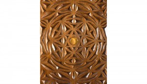 Curved carved door aron kodesh