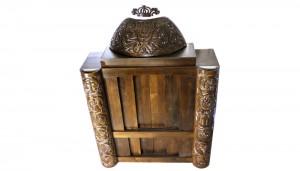Dome and pillars carved aron kodesh