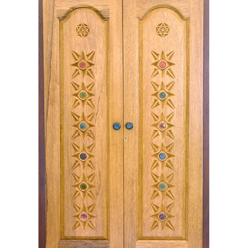 wood doors with carving Contemporary aron kodesh