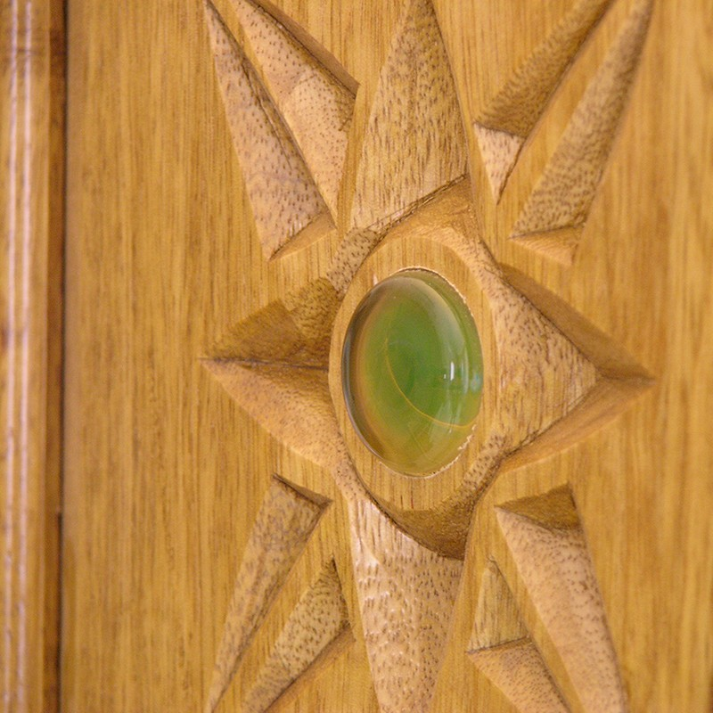 Contemporary aron kodesh with carving and glass inlays detail