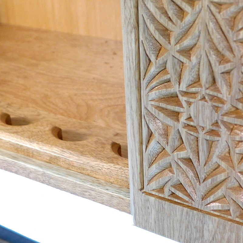portable hanging aron kodesh for synagogue in Jerusalem in side and carving