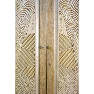 carved doors on aron kodesh