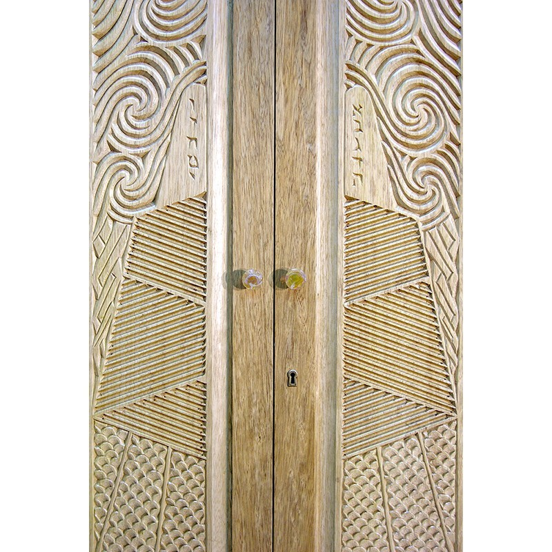 carved doors on aron kodesh