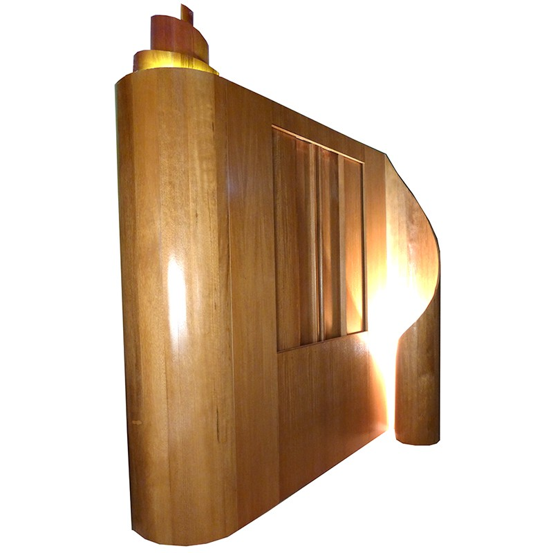 Aron kodesh with curved slides and scroll
