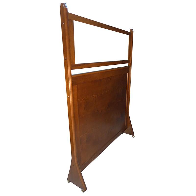 portable mechitza with one-way mirror