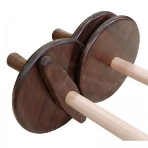bottom and scrolls spacing of bottom torah handles