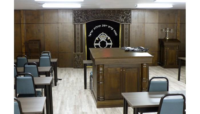 Carved synagogue furniture bimah and aron kodesh