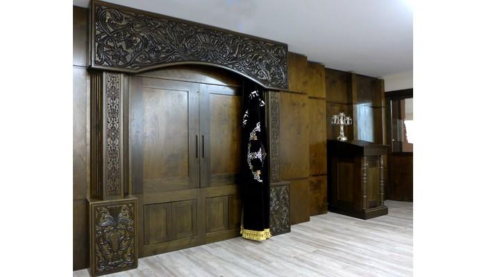 toronto Poldium and carved aron kodesh